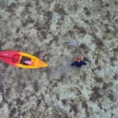 2018 Matt Blacka Installing a shallow water monitoring station between the motus of Oneroa and Motutapu 2_Muri Lagoon